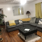 Beautiful 2 Bedroom Apartment 15 Mins Away From JFK and Laguardia Airports