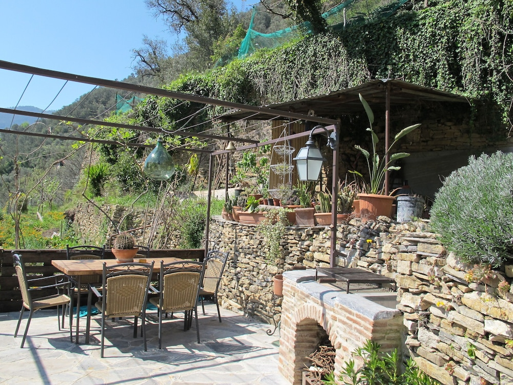 Balcony, Xvii Sec. Wine Cellar, Fully Renovated, With Shared Terrace AND Pool