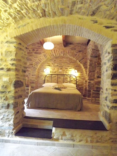 Room, Xvii Sec. Wine Cellar, Fully Renovated, With Shared Terrace AND Pool