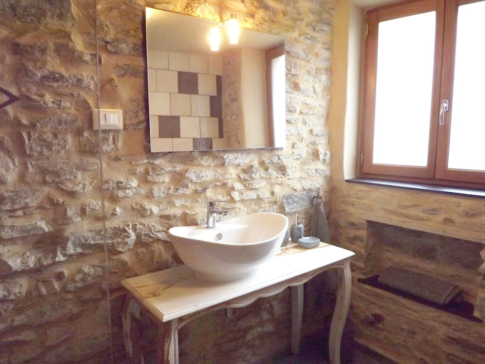 Bathroom, Xvii Sec. Wine Cellar, Fully Renovated, With Shared Terrace AND Pool