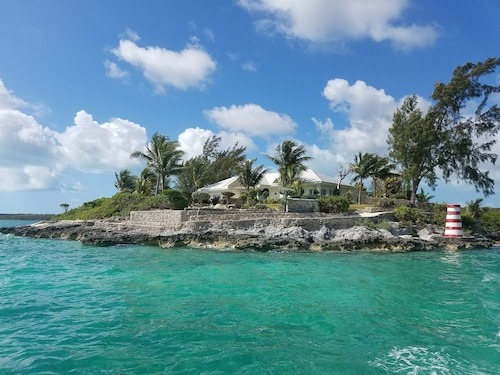 Private Island Minutes From Harbour Island, Heated Pool, New Upgrades