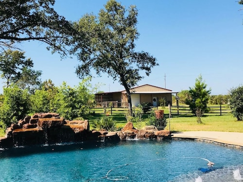 Magnolia Texas Ranch Stay-a Little Taste of Country
