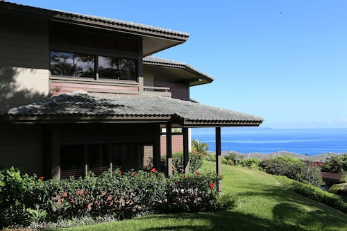 Luxury, Contemporary, Ocean View Villa In The Heart Of Kapalua