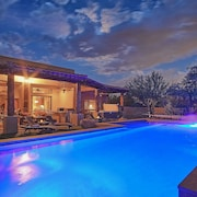 Private Estate+sleeps Large Groups+heated Pool+2 Spas+kobey's Cozy Desert Oasis
