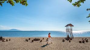 Beach nearby, kayaking, motor boating