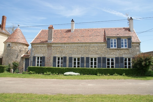 Charming House Near Vézelay , 14 People With Jacuzzi