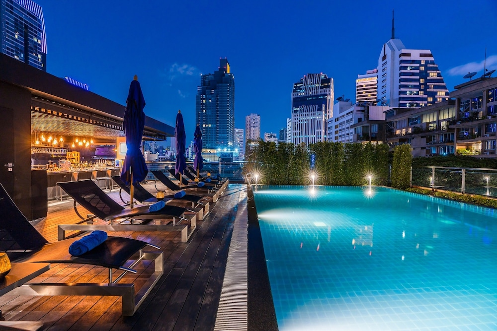 Outdoor Pool, The Key Premier Sukhumvit by Compass Hospitality