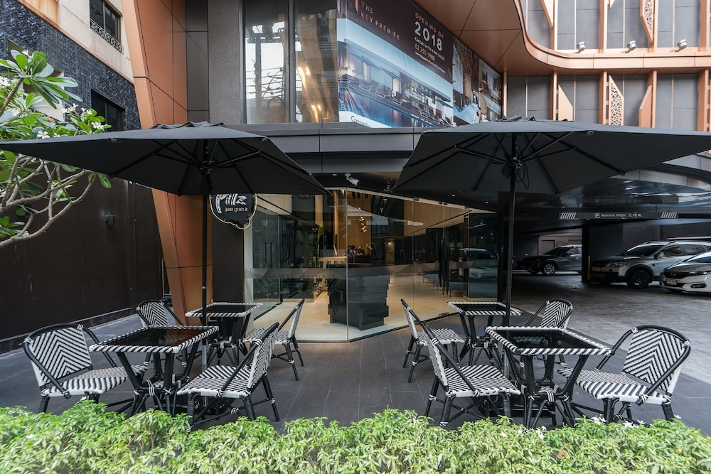 Courtyard, The Key Premier Sukhumvit by Compass Hospitality