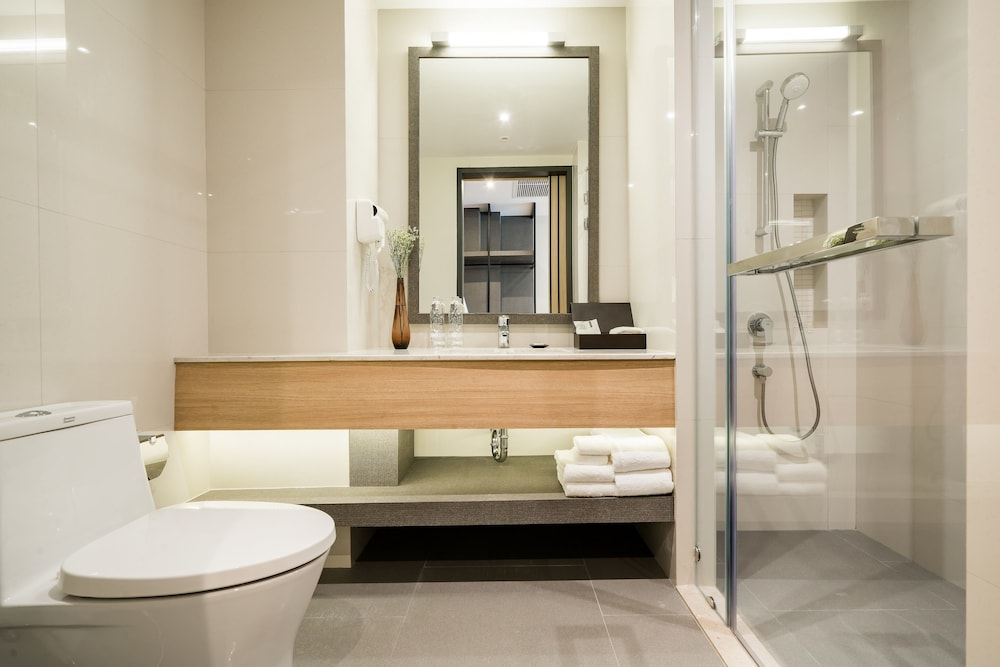 Bathroom, The Key Premier Sukhumvit by Compass Hospitality