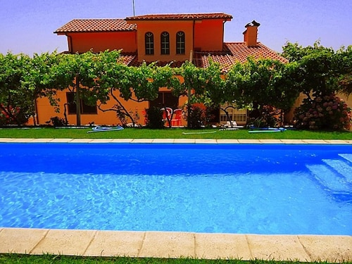 Villa With 4 Bedrooms in Provesende, With Wonderful Mountain View, Private Pool, Enclosed Garden - 300 m From the Beach