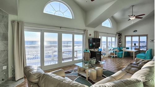 Million Dollar Beachfront 92 Five Stars Jan-march Curl up With a Good Book !
