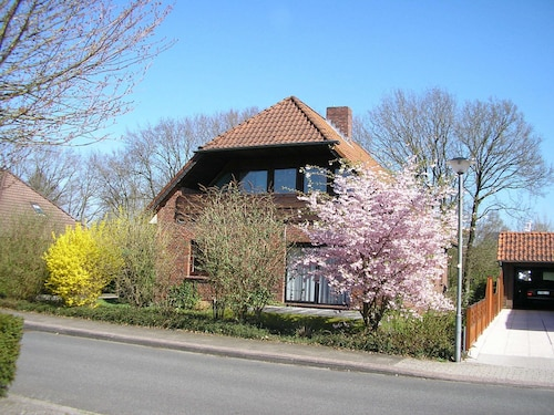 Apartment, 3 Bedrooms, Terrace, Quiet and Close to the Coast in Ostfriesland