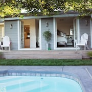 Luxury Sonoma Cottage: Sanctuary With Pool! Close to Square & Wineries