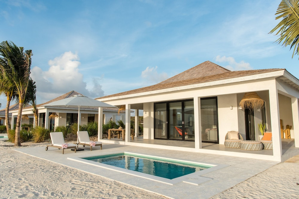 Terrace/Patio, Ambergris Cay – ALL-INCLUSIVE, Private Island, Air Transfers Included