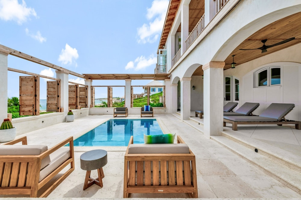 Private Pool, Ambergris Cay – ALL-INCLUSIVE, Private Island, Air Transfers Included