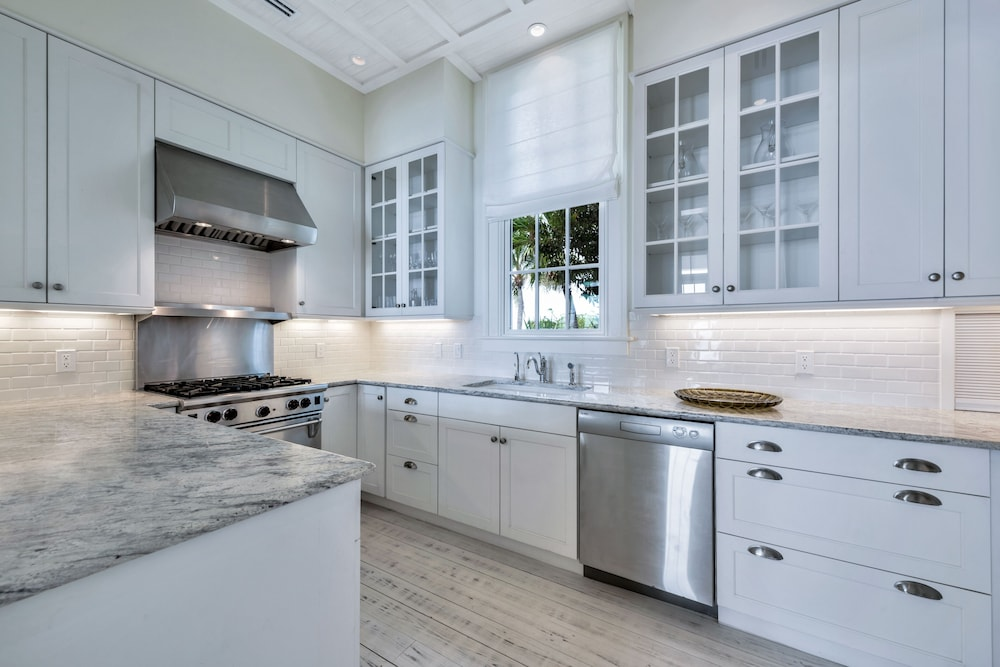 Private Kitchen, Ambergris Cay – ALL-INCLUSIVE, Private Island, Air Transfers Included