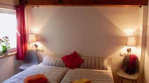 2 Schlafzimmer, Bügeleisen/Bügelbrett, Babybetten, Internetzugang
