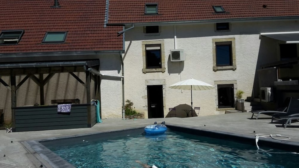 Outdoor Pool, Domaine Le Puits du Moulin