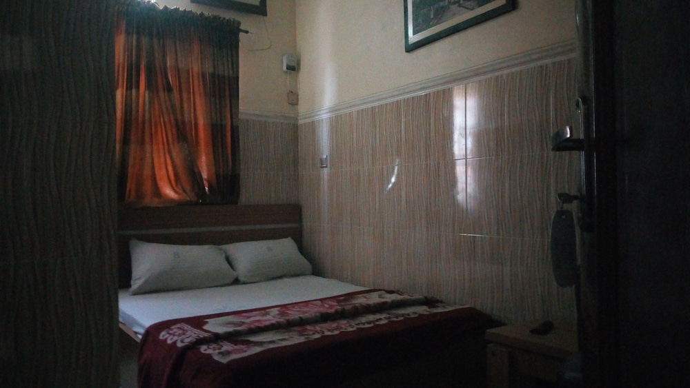 Room, Jam-Bed Hotel and Suites Abeokuta