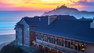 Headlands Coastal Lodge & Spa