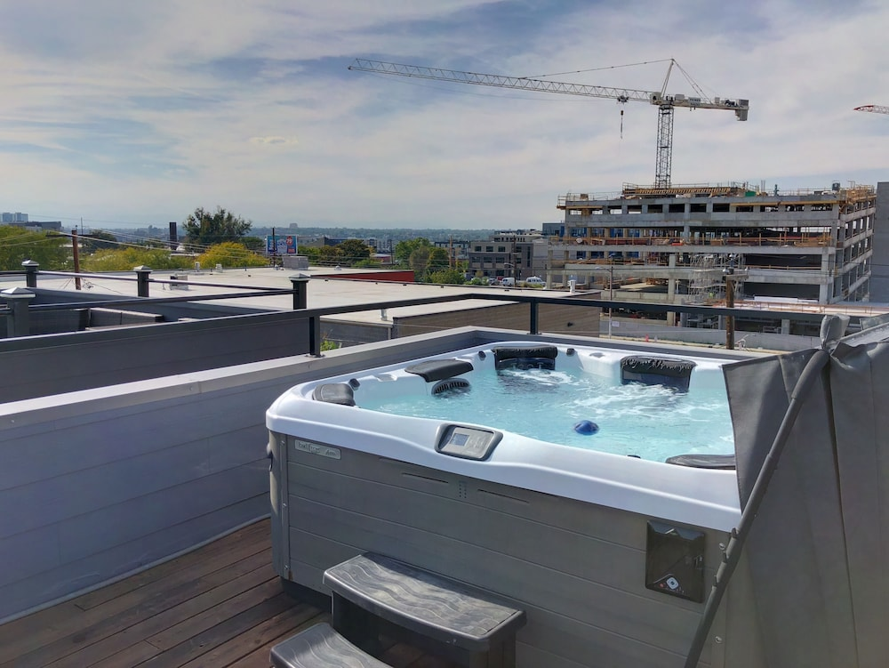 Rooftop Hot Tub In Rino In Denver Hotel Rates Reviews On Orbitz