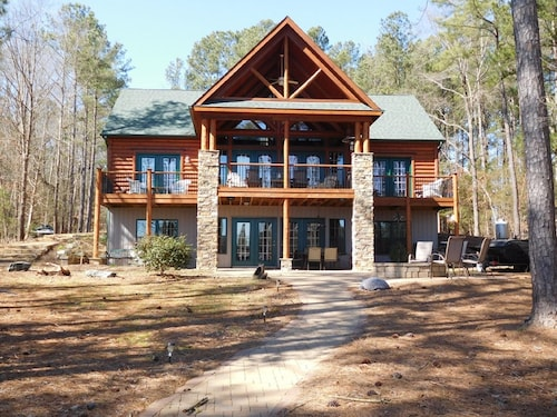 Beautiful Rustic Log Home Main Lake - Pizza Oven, Fire Pit, Pontoon, Huge Dock