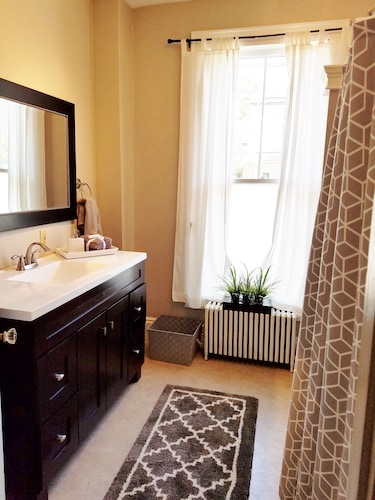 Bathroom, Elegant, Sunny, 2 Bedroom Townhouse Apartment, in the Heart of Downtown Portland