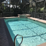 REMOTE LEARN from Marco-4Br Prestine Home Sleeps 8/Pool+Spa/Private backyard