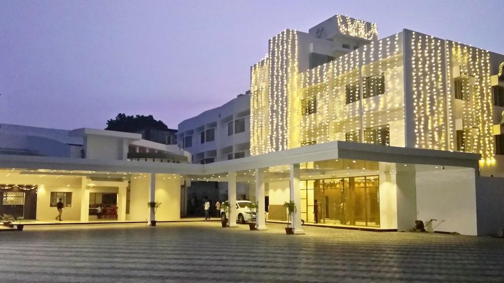 Arcot Woodlands Hotel, Cuddalore: 2019 Room Rates & Reviews