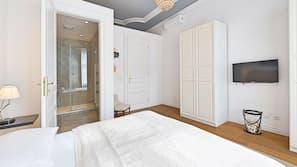 1 bedroom, hypo-allergenic bedding, iron/ironing board, free WiFi