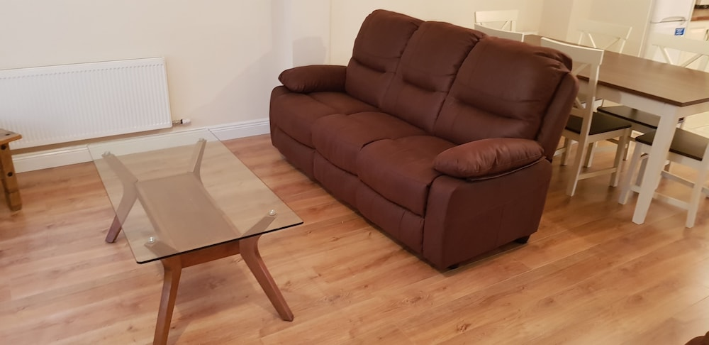 Living Room, 3 Bedroom Newly Furnished House House Wolfe Tone Street