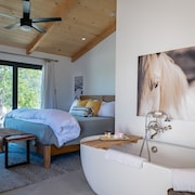 Cocavin Carriage House--exquisite Retreat for Two in Vineyard Setting