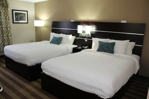 Great Place to stay Clarion Inn & Suites Stroudsburg - Poconos near Delaware Water Gap