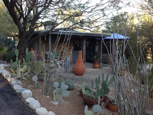 Great Place to stay Private 2 Bedroom Bungalow With Glorious Views In An Intimate Foothills Setting near Tucson