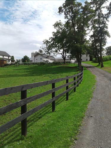 Sunrise Valley Farm Retreat......close to Pa Renaissance Faire