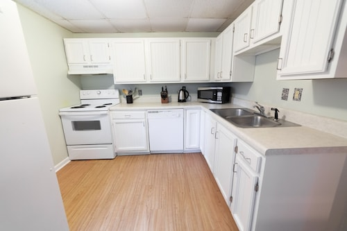 Private & Sweet Patio Level Apartment in Downtown Winston-salem