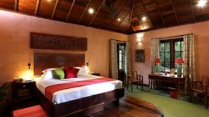 1 bedroom, in-room safe, linens