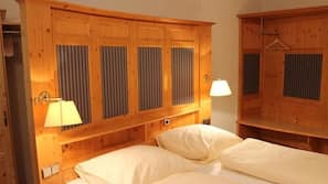 Allergikerbettwaren, Bügeleisen/Bügelbrett, kostenloses WLAN, Bettwäsche