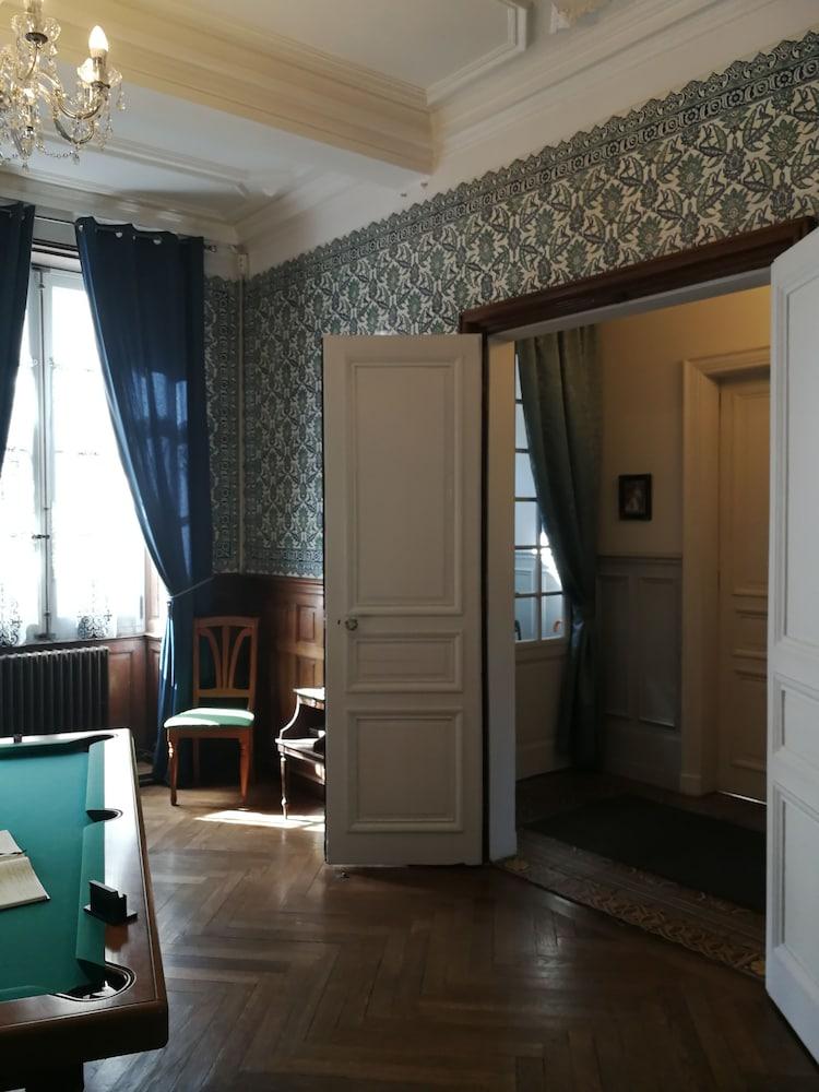 40dbf0cb216 Chambres d hôtes H De Surgeres (Surgères