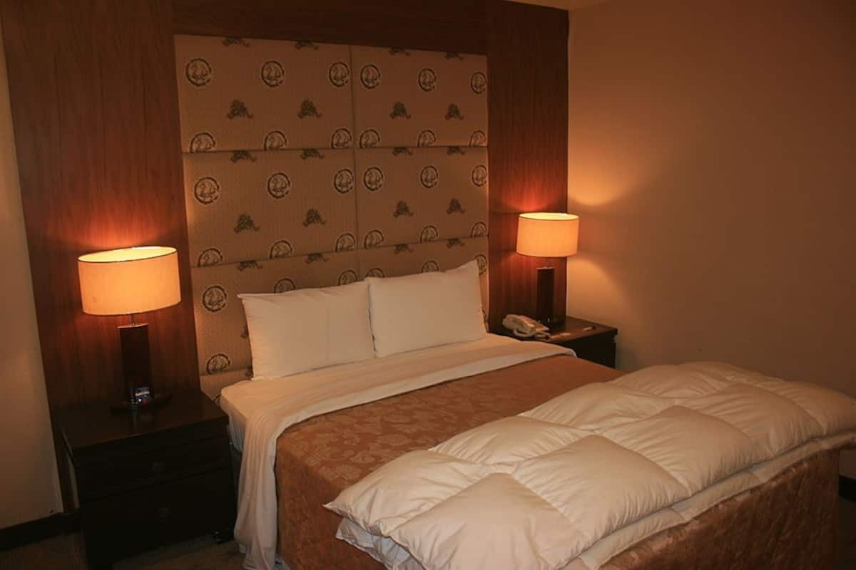 Warm Life Hotel