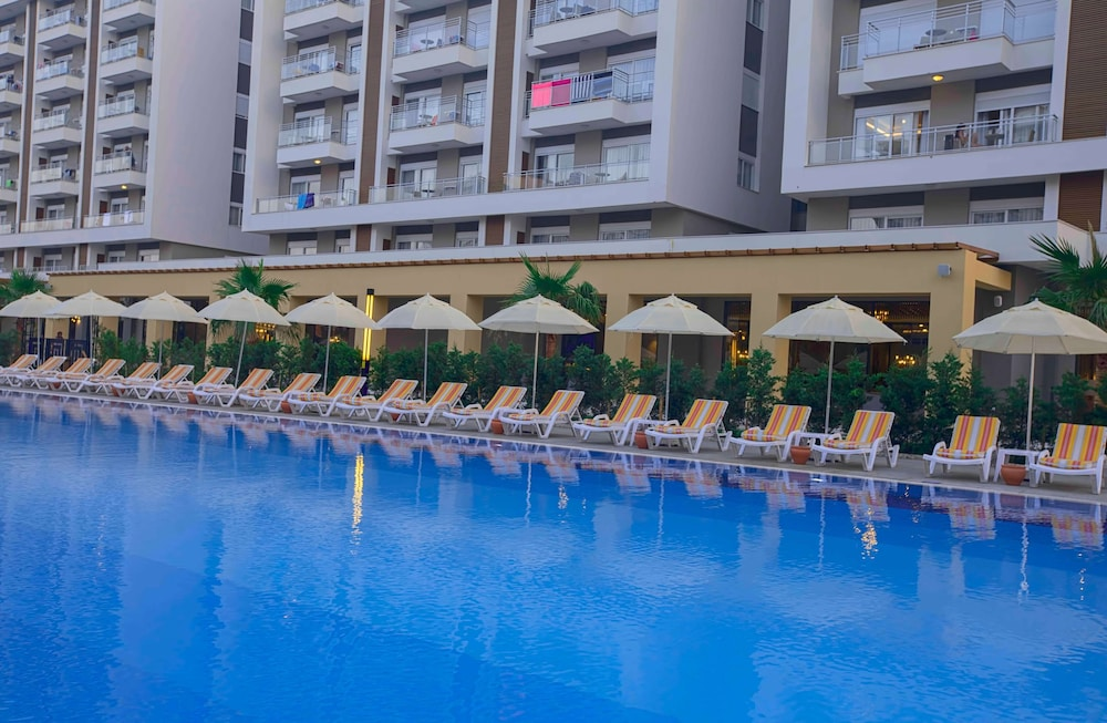 Outdoor Pool, Sherwood Suites Resort - All Inclusive