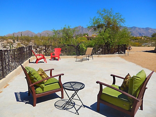 Great Place to stay Spectacular Desert View and Catalina Mountains near Tucson