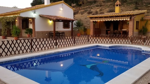 Ideal for Families. Private Swimming Pool.andalusian House.very Close to Málaga
