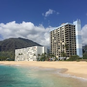 Hawaiian Princess Large Corner Unit Oceanfront Condo/30 day min