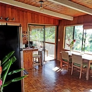 Evergreen Cottage @ Maui Adventure Villa
