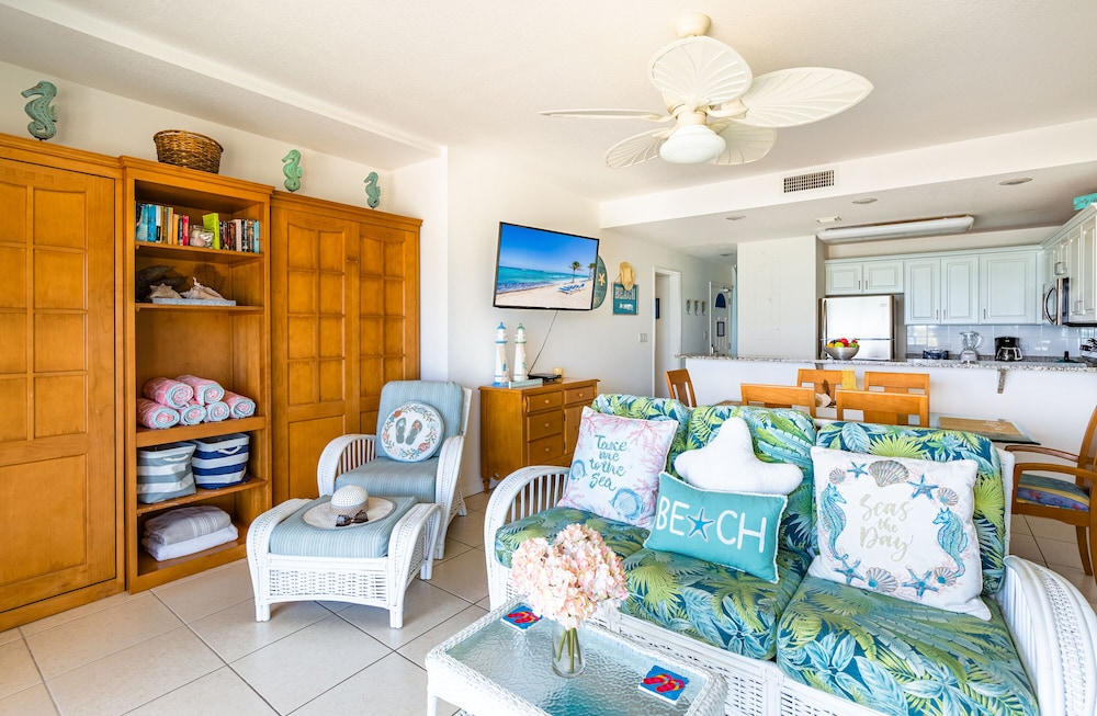 , Magnificent Ocean Views- 2 Bedroom Beachfront Condo at The Reef Resort?