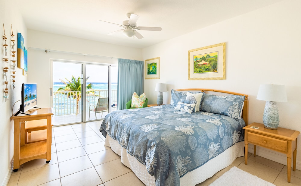 Room, Magnificent Ocean Views- 2 Bedroom Beachfront Condo at The Reef Resort?