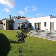 Comfortable Villa With Private Pool, Garden and Beautiful View, Near the Coast