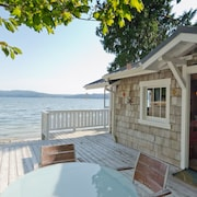 Hood Canal, 1930's Beach Cottage, 315' Cove With Oysters!