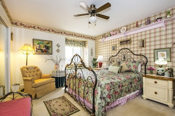 Matthews Manor Bed and Breakfast